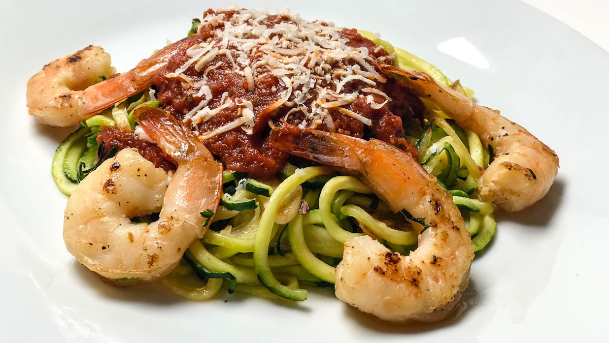 Keto zucchini noodles with pasta sauce and shrimp | AnnaMaria's