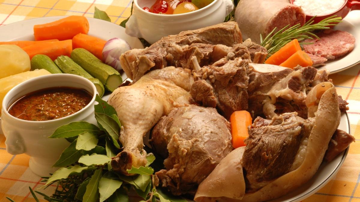 Bollito Misto Piemontese with sides   Anna Maria's Foods